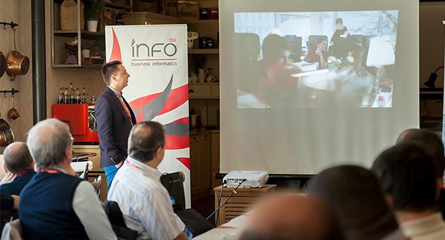 Евгени Нончев запозна гостите с ползите от мобилния CRM